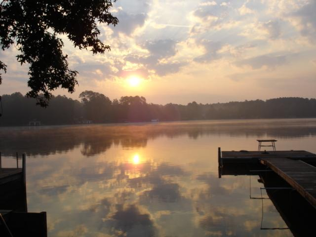 Lake Sinclair in Milledgeville, GA | City Guide and Directory to Macon, Warner Robins, Milledgeville, Dublin, Georgia | Shops, Hotels, Apartments, Restaurants, Attractions